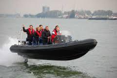 Best Waterproof Sealant for Boat Repairs